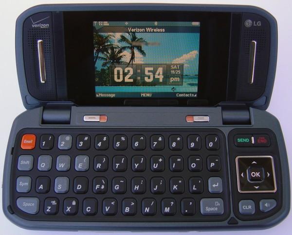 LG VX9900 - Opened
