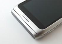 Nokia E7 - Main Button